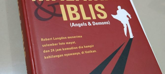 Review Buku Malaikat dan Iblis Dan Brown